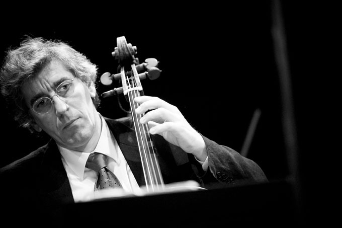 Rainer Zipperling, bass viol